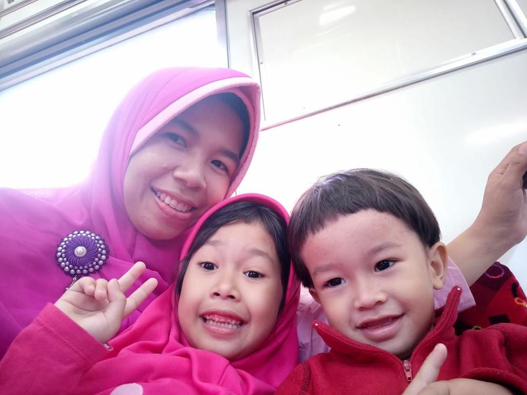 Penghasilan Ibu Rumah Tangga Dengan Bisnis Online Syariah