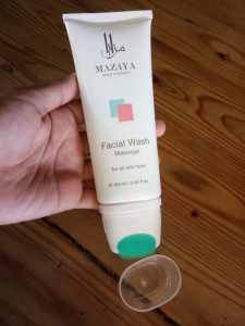 Menggunakan Mazaya Facial Wash Massage