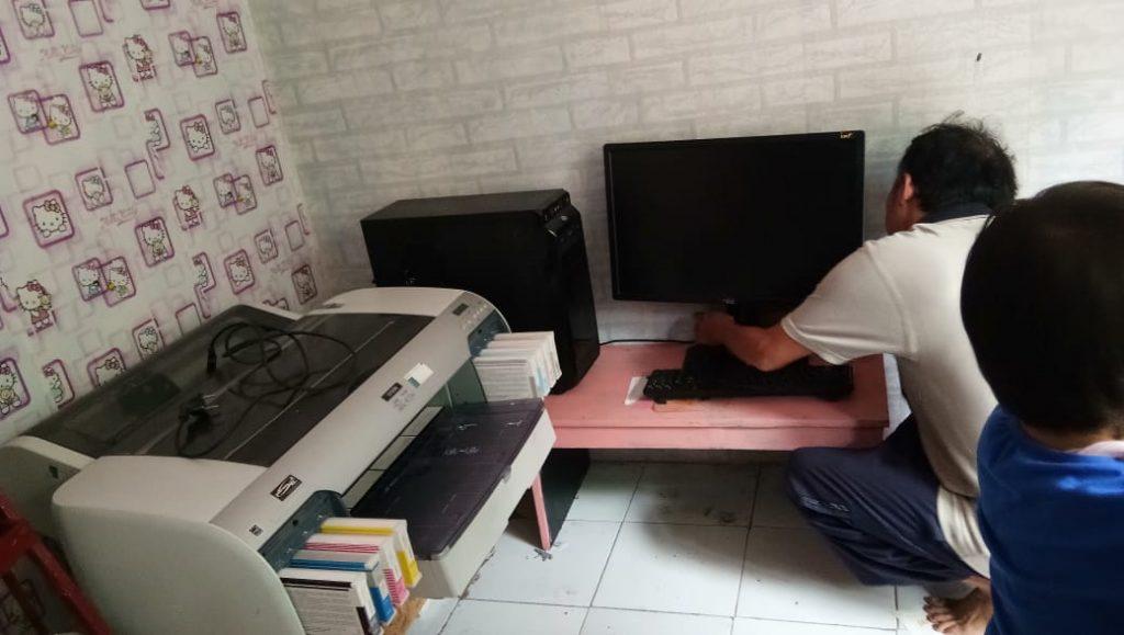 Peralatan kantor selama bekerja dari rumah